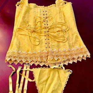 Fredericks of Hollywood yellow Corset 38